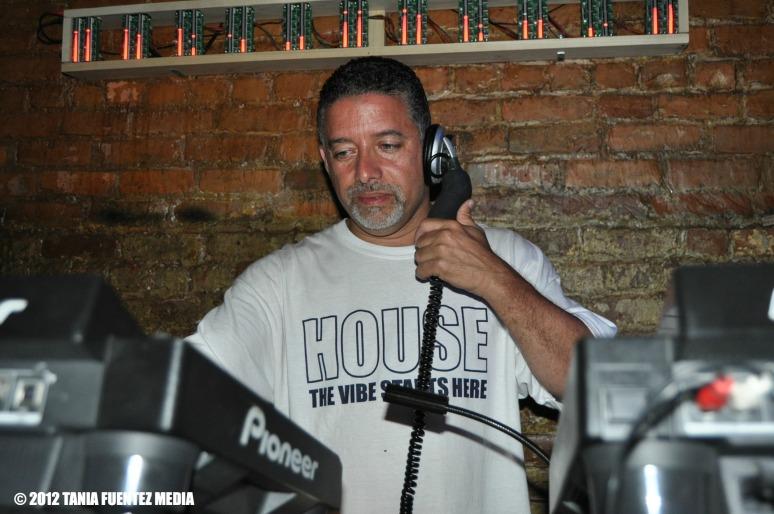 DJ RAY VAZQUEZ