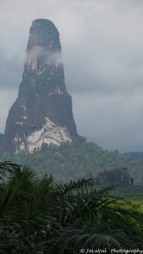 STP_Sao_Tome Pico Cao Grande mountain-2