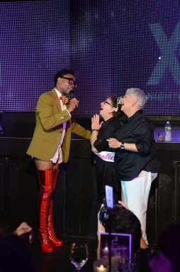 'KINKY BOOTS' STAR BILLY PORTER ENGAGES THE CROWD AT XL NIGHTCLUB PHOTO CREDIT: ANDREW WERNER PHOTOGRAPHY